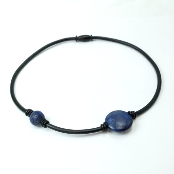 gummikæde 2 sten mørk blå2