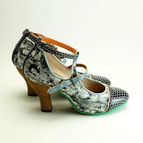 Bindi str. 41. Høj sko fra spanske Pisaverde. Unika sko i læder og skind. Flotte farver og mønstre.