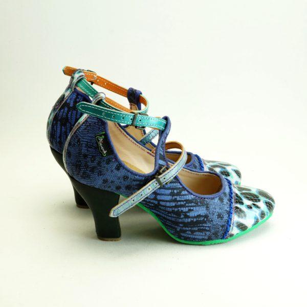 Bindi str. 39 fra spanske Pisaverde. Sko i læder og skind. Mønstrede, unika og farverige.