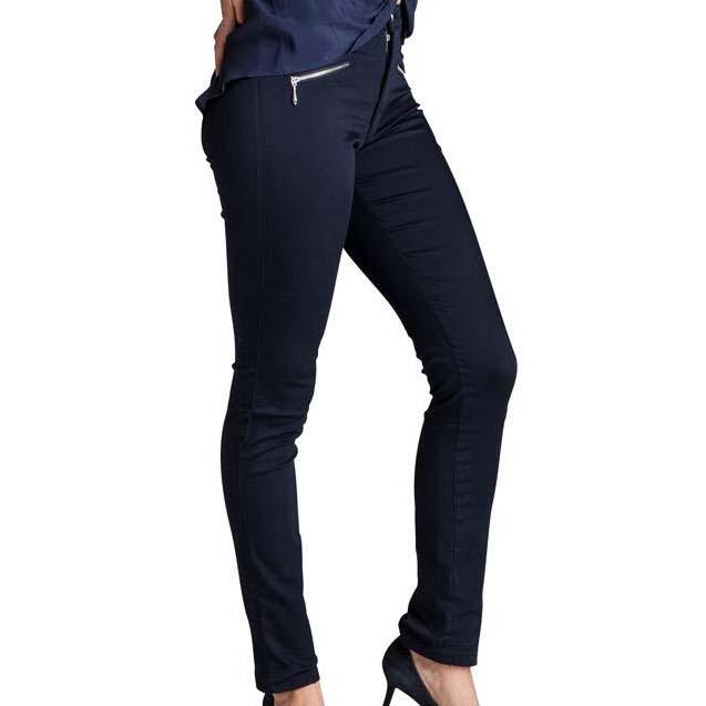 Velsiddende bukser fra Merrytime. Slim fit. Super stretch