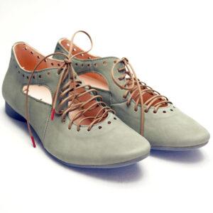 Think grågrønne sko
