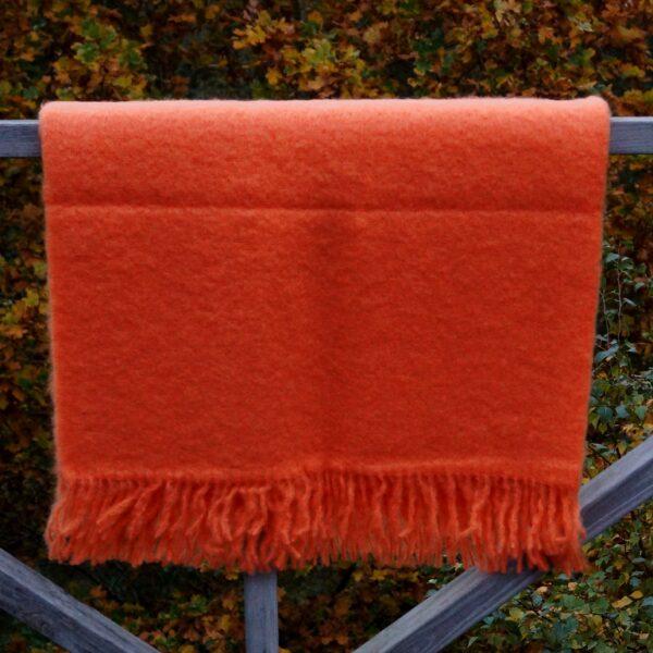 Plaid orange, 75% mohair, 25% uld