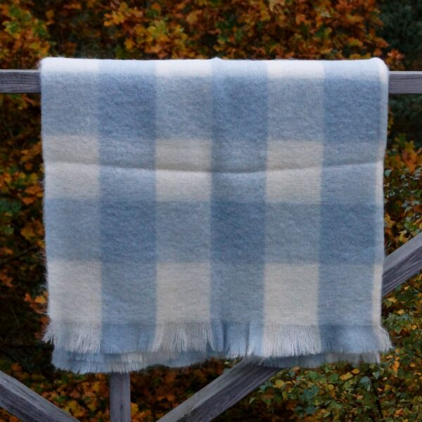 Plaid gråblå tern, 75% mohair, 25% uld