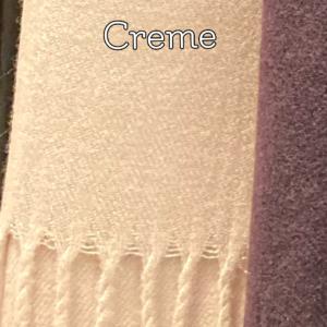 Cremefarvet, blødt kashmere tørklæde