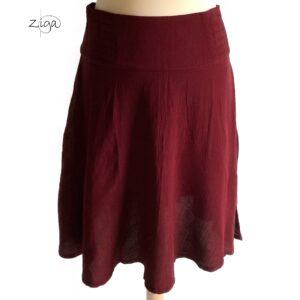 Campur nederdel Flores rød Pls 219. Med bred linning