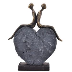 La Vida Par siddende på hjertesten H: 29 cm