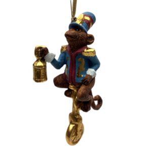 Julefigur abe på cykel